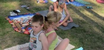 йога с родителями фото