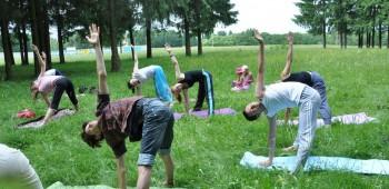 йога для друзей фотографии