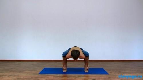 йога при варикозе width=