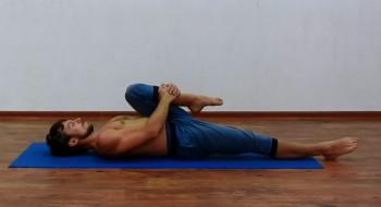 Йога польза и вред для женщин после 50 лет: чем полезна в 40 летнем возрасте, противопоказания для практик, простые правила, комплекс упражнений
