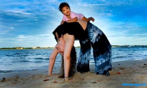 йога для родителей с детьми