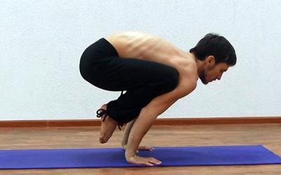 упражнения йоги для мышц рук