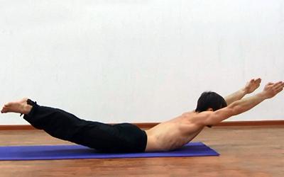 упражнения йоги для мышц спины