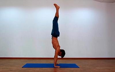 упражнения йоги для рук