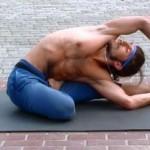 Презентация йоги на дне открытых дверей в фитнес центре X-line