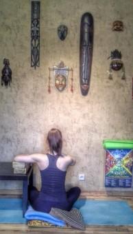Йога при болях в шейном отделе позвоночника