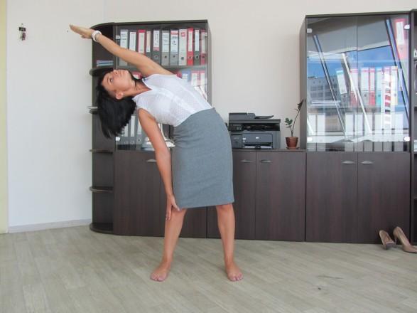 йога в офисе