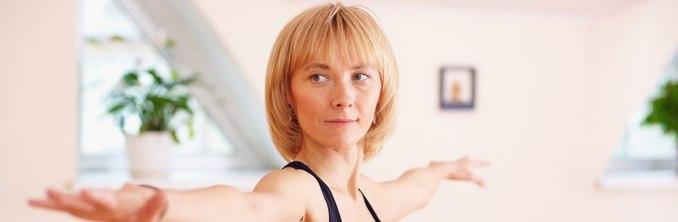 восстановление колена практикой йоги