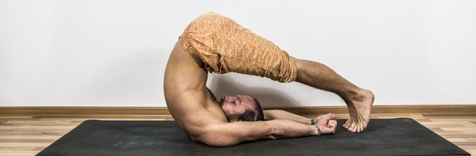 uprazhneniya-yogi-dlya-pozvonochnika